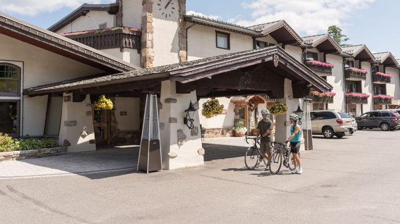 Golden Arrow Lakeside Resort Exterior