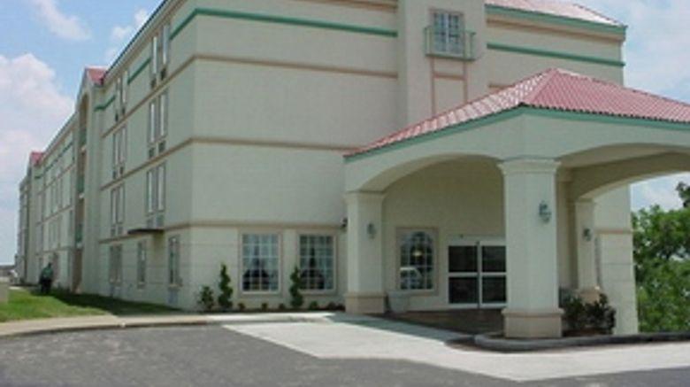 La Quinta Inn  and  Suites Tulsa Central Exterior