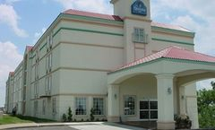 La Quinta Inn & Suites Tulsa Central
