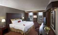 Hamilton Plaza Hotel & Conference Center