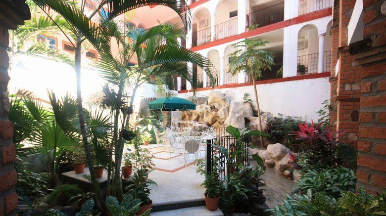 Hotel Encino Lobby
