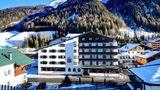 Arlberg Hotel Exterior