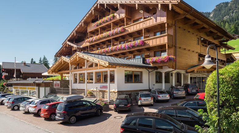 Alphof Hotel Exterior