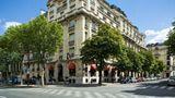 Raphael Hotel Paris Exterior