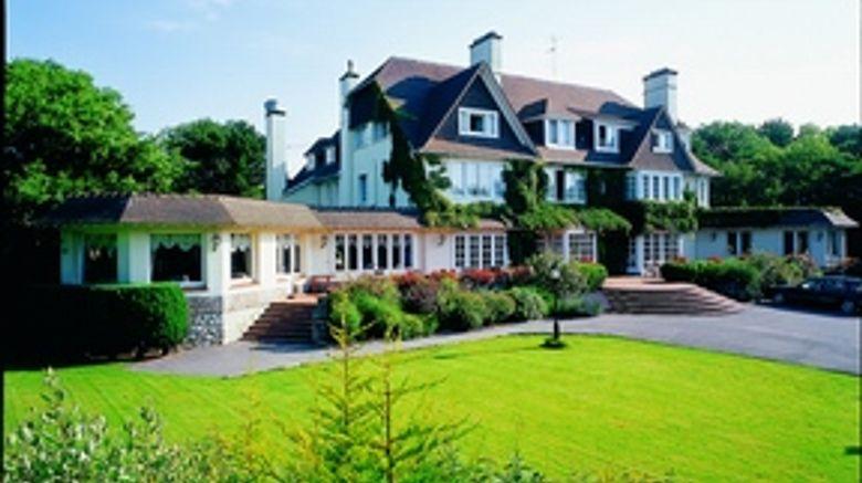 Le Manoir Hotel  and  Golf Club Exterior