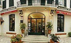 Hotel de Paris et la Poste
