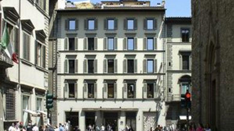 Hotel Laurus al Duomo Exterior