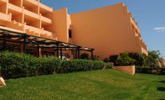 Dom Pedro Meia Praia Apartamentos