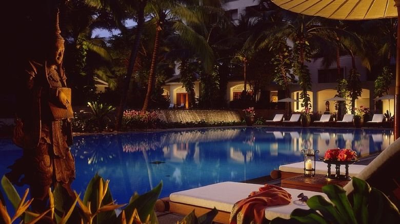 <b>Anantara Siam Bangkok Hotel Exterior</b>