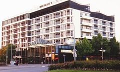 Hotel Adelaide International