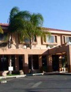 Howard Johnson Inn and Suites Reseda