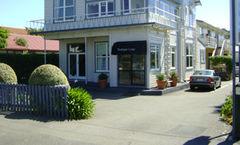 Trafalgar Lodge
