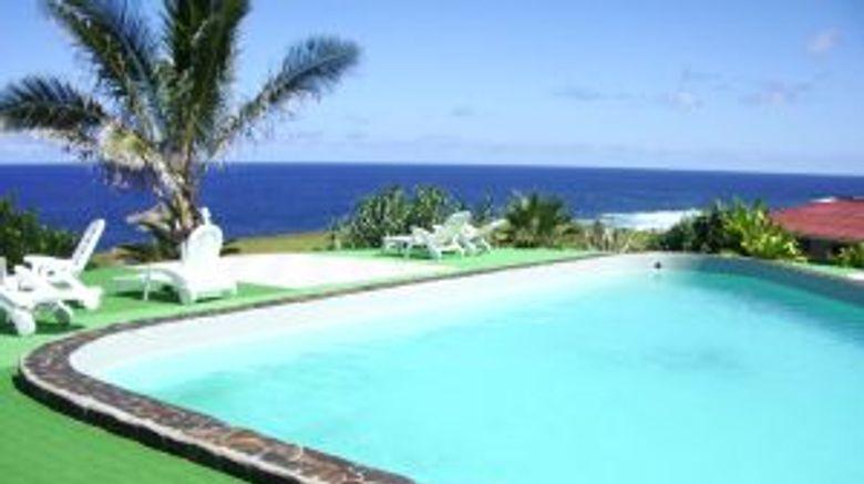 <b>Iorana Hotel Pool</b>