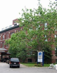 Roberts Riverwalk Hotel & Residence
