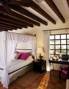 Guaycura Boutique Hotel & Spa