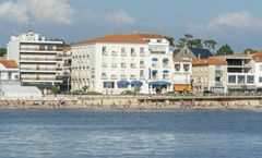 Le Grand Hotel De La Plage