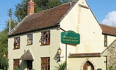 Half Moon Inn & Country Lodge