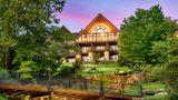Big Cedar Lodge Exterior