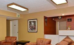 Travelers Inn and Suites Memphis