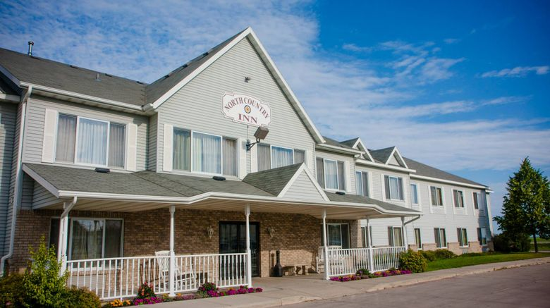 North Country Inn  and  Suites Exterior