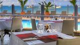 Le Beach Hotel Restaurant