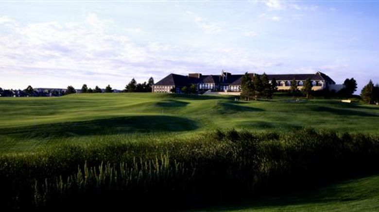 Lone Tree Golf Club  and  Hotel Exterior