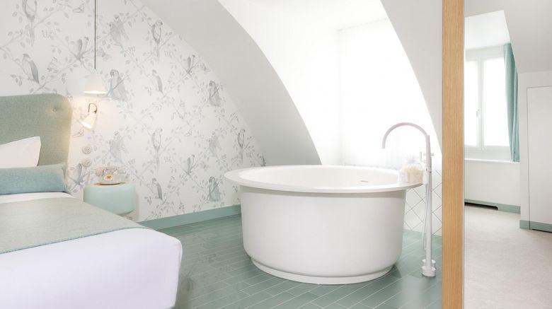 Le Lapin Blanc Room