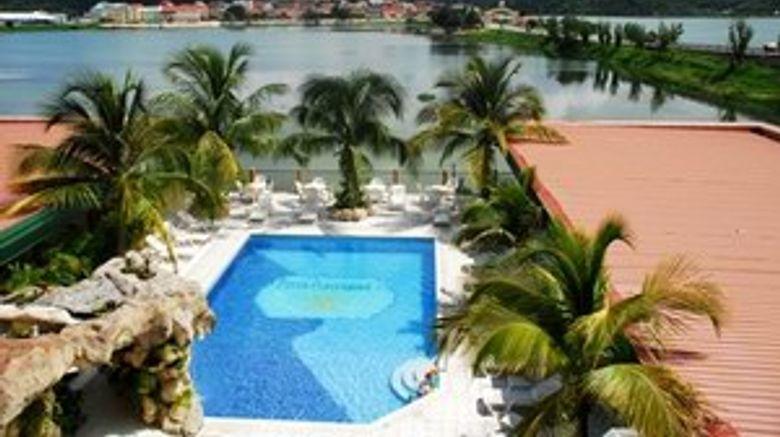 <b>Peten Esplendido Hotel Conf Pool</b>