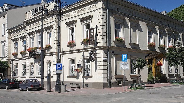 Fortuna Hotel Exterior