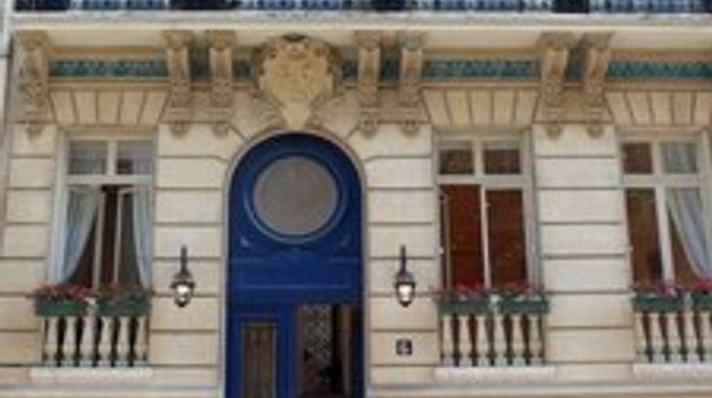 Jays-Paris Exterior