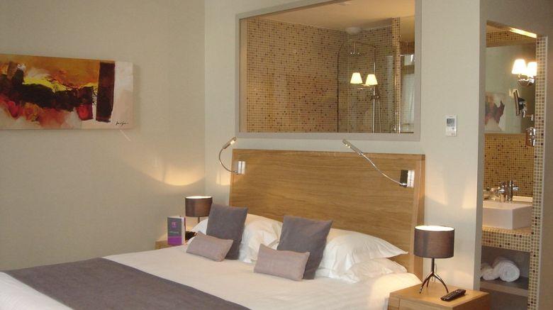 <b>Hotel du Chateau Room</b>