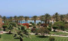 Brayka Bay Reef Resort Hotel