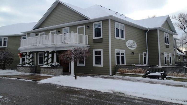 Stone Willow Inn Exterior