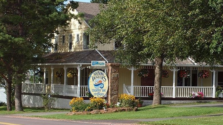 Shining Waters Country Inn Exterior