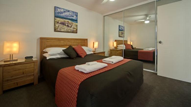 Albacore Apartments Room