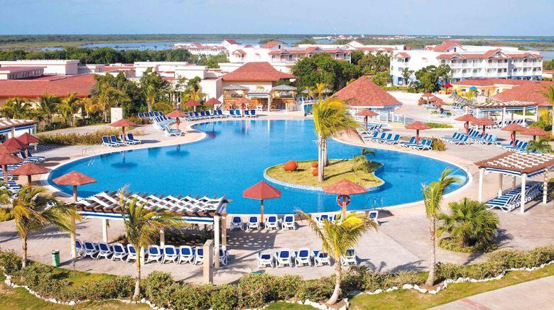 Memories Flamenco Beach Resort Exterior