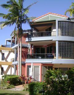 Como Noosa Luxury Riverside Apartments