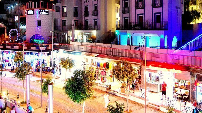 Club Vela Hotel Exterior