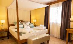 Pula Suites Hotel Golf & Spa