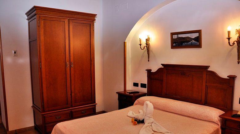 <b>Hotel Alfonso VIII Room</b>