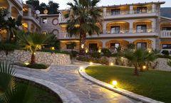 Adam's Hotel & Suites