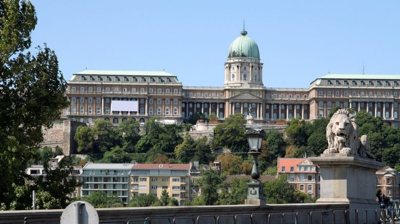 <b>Budapest Building</b>
