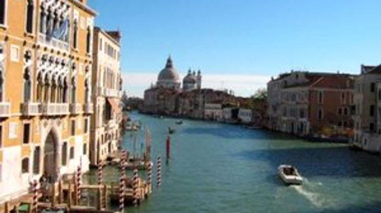 <b>Venice Scenery</b>