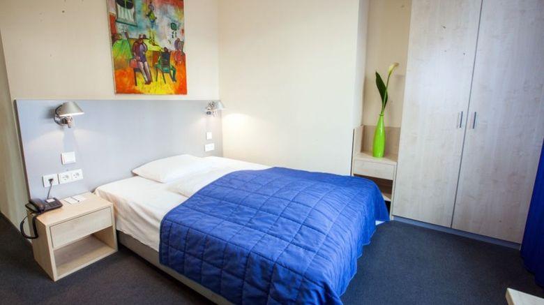 Hotel Muenchner Hof Room
