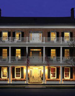 The Aurora Inn