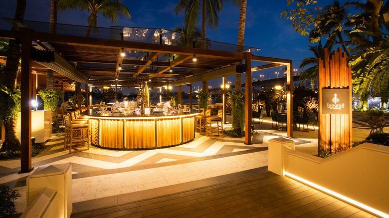 <b>Anantara Riverside Bangkok Resort Bar/Lounge</b>