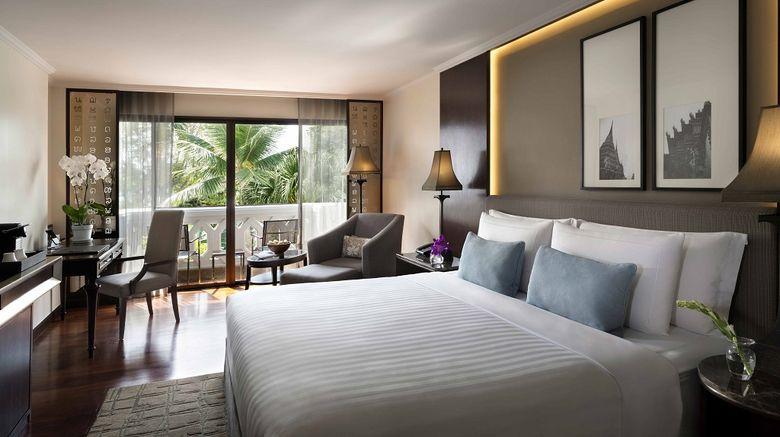<b>Anantara Riverside Bangkok Resort Room</b>