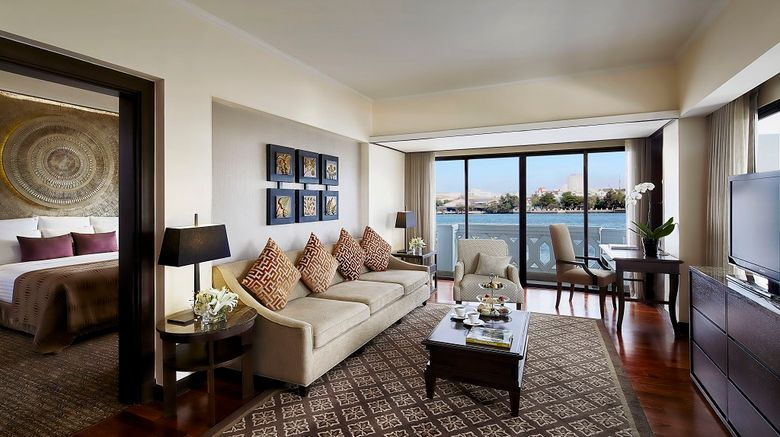 <b>Anantara Riverside Bangkok Resort Suite</b>