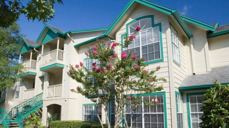 Oak Plantation Resort Exterior