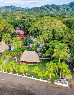 Bahia Del Sol Beachfront Hotel & Suites